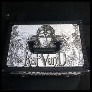 Kat Von D Adorably Train Case in Box
